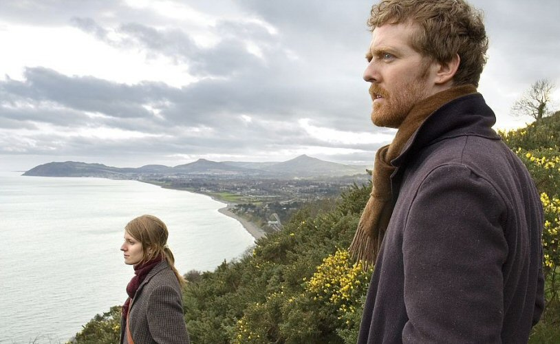 Glen Hansard and Markéta Irglová in Once
